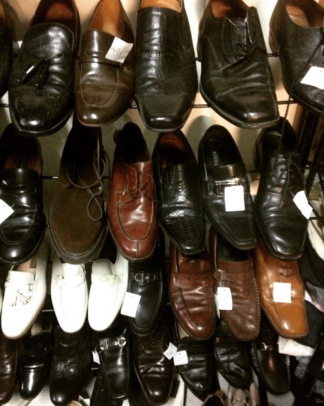f5fd56656 Sapatos sociais masculino homens venham que ainda dá tempo  #brechócamarimtododianovidade #brecho .
