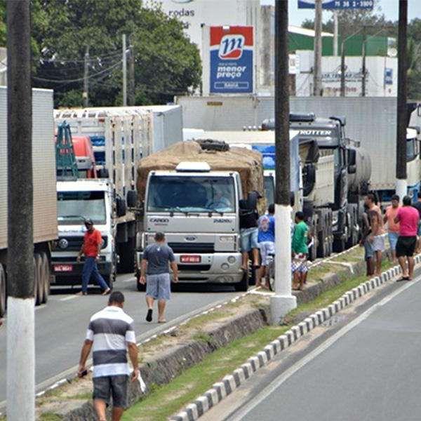 Governo propõe medidas a caminhoneiros sem redução do diesel