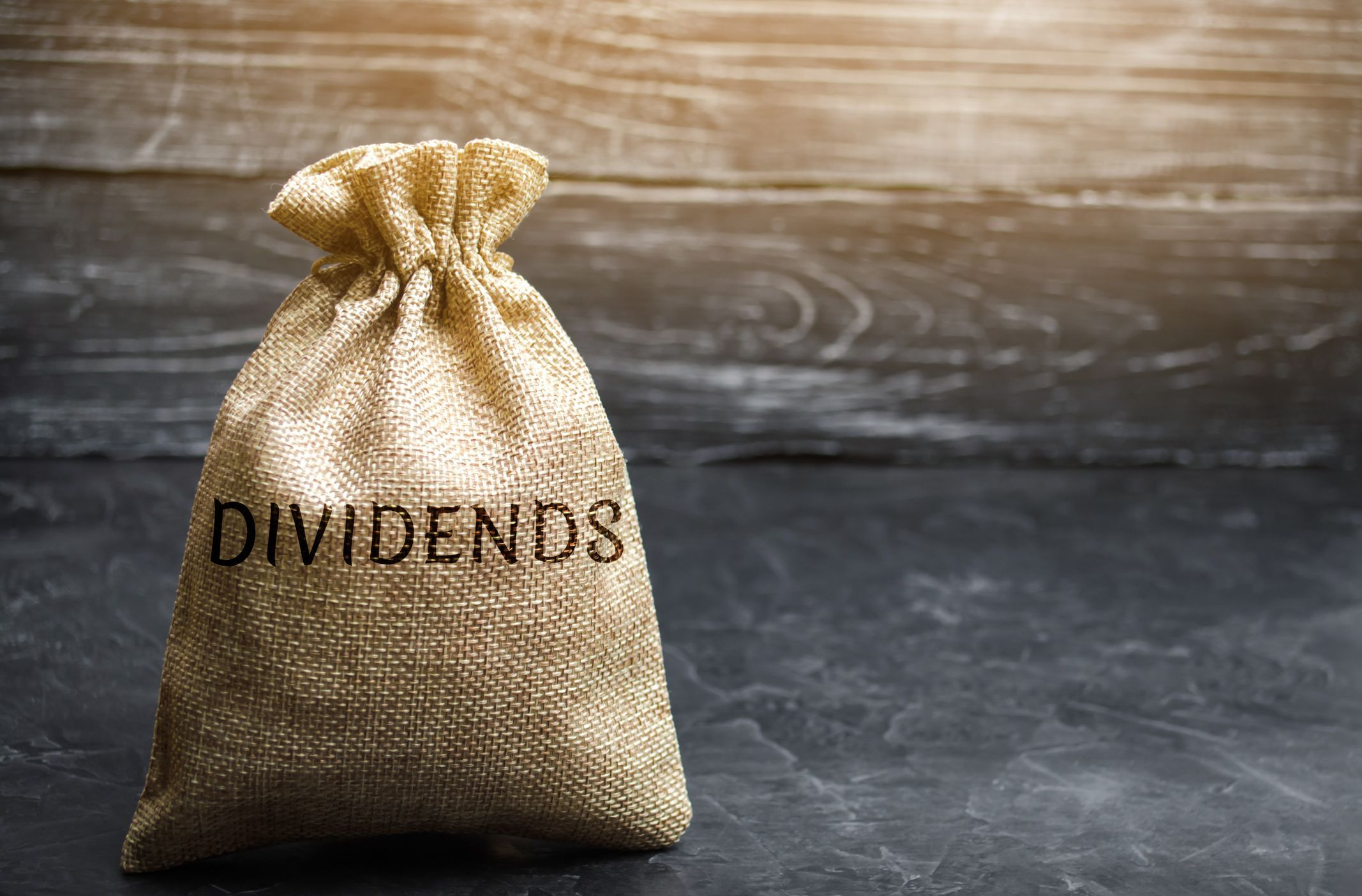 Why Do Some Companies Pay A Dividend While Others Don T In 2020