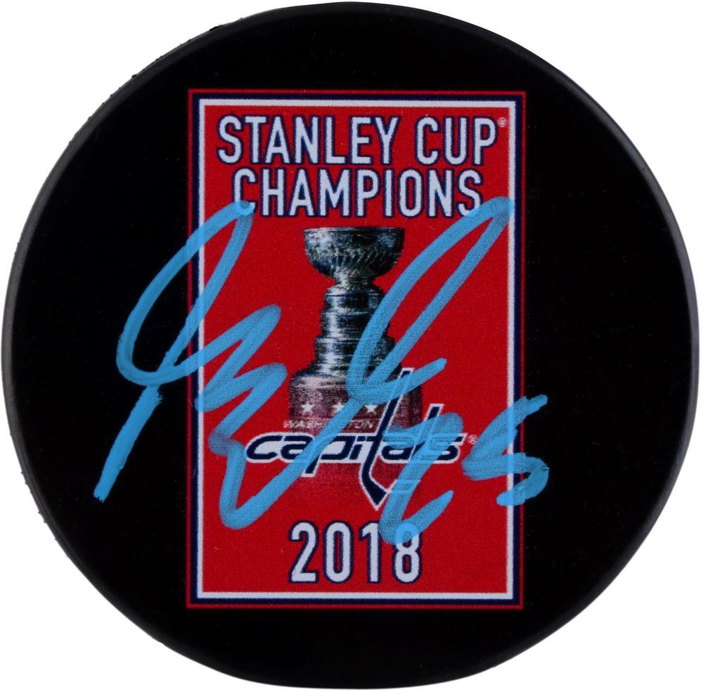 New Jersey Devils Devonte Smith Pelly signed puck