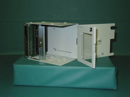 HRE204L1 - ADC TELECOMMUNICATIONS - 4 SLOT INDOOR REMOTE ENCLOSURE