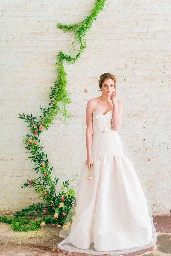 Fantastisch Passen Und Hochzeitskleid Körper Typ Flare Bilder ...