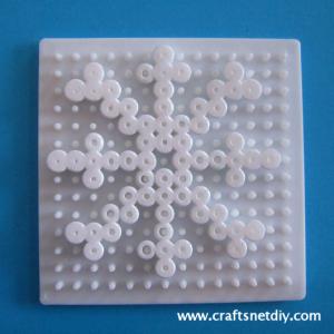 Hama Perler snowflake pattern - Craftsnet Diy