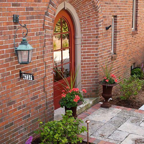 Brick Home Exterior Design Ideas: Exterior Paint Color With Red Brick Home Design Ideas