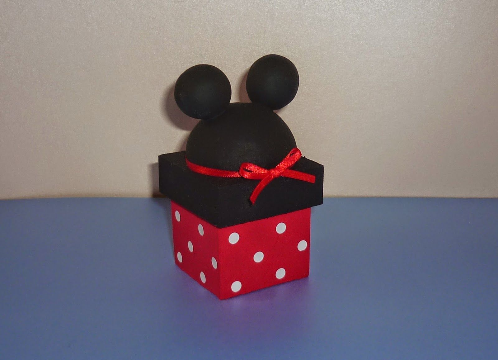 Minnie Mouse Explosion Box Minnie Exploding Box Disney Explosion Box All Occasion Surprise Box B Manualidades Hacer Cajas De Regalo Cajas De Regalo