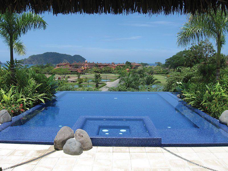 20 Beautiful Infinity Hot Tub Ideas Luxury Swimming Pools Spa Pool Residential Pool