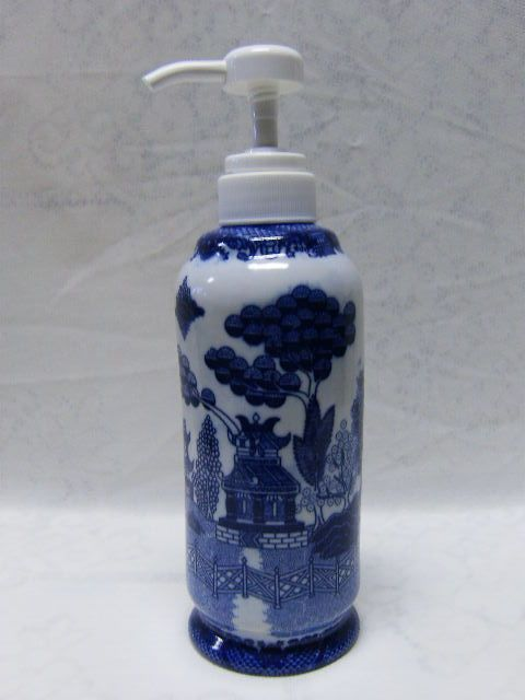 Blue Willow Lotion Soap Detergent Pump Dispenser Bottle Oriental Chinese Pagoda Blue Willow Blue Willow Dishes Detergent Soap