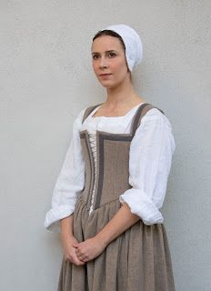 Elizabethan Kirtle (wool with linen guards) | Coustumes in
