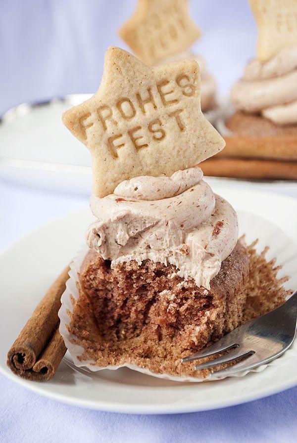 Zimt-Cupcakes mit Pflaumen-Frosting #gebranntemandeln