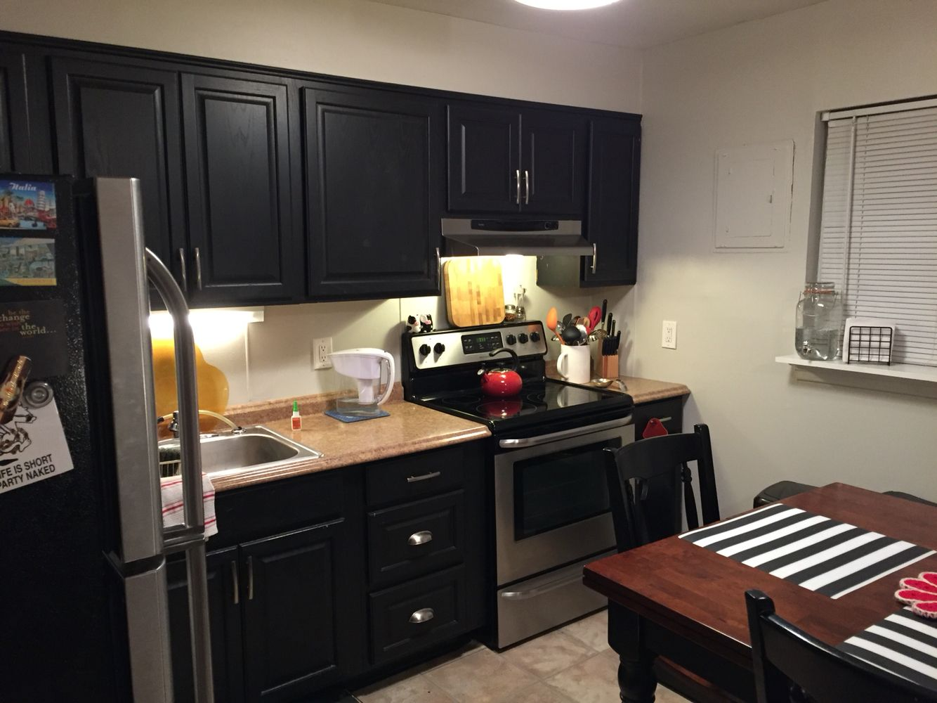 Best Behr Toasty Gray Walls With Black Painted Kitchen Cabinets 640 x 480