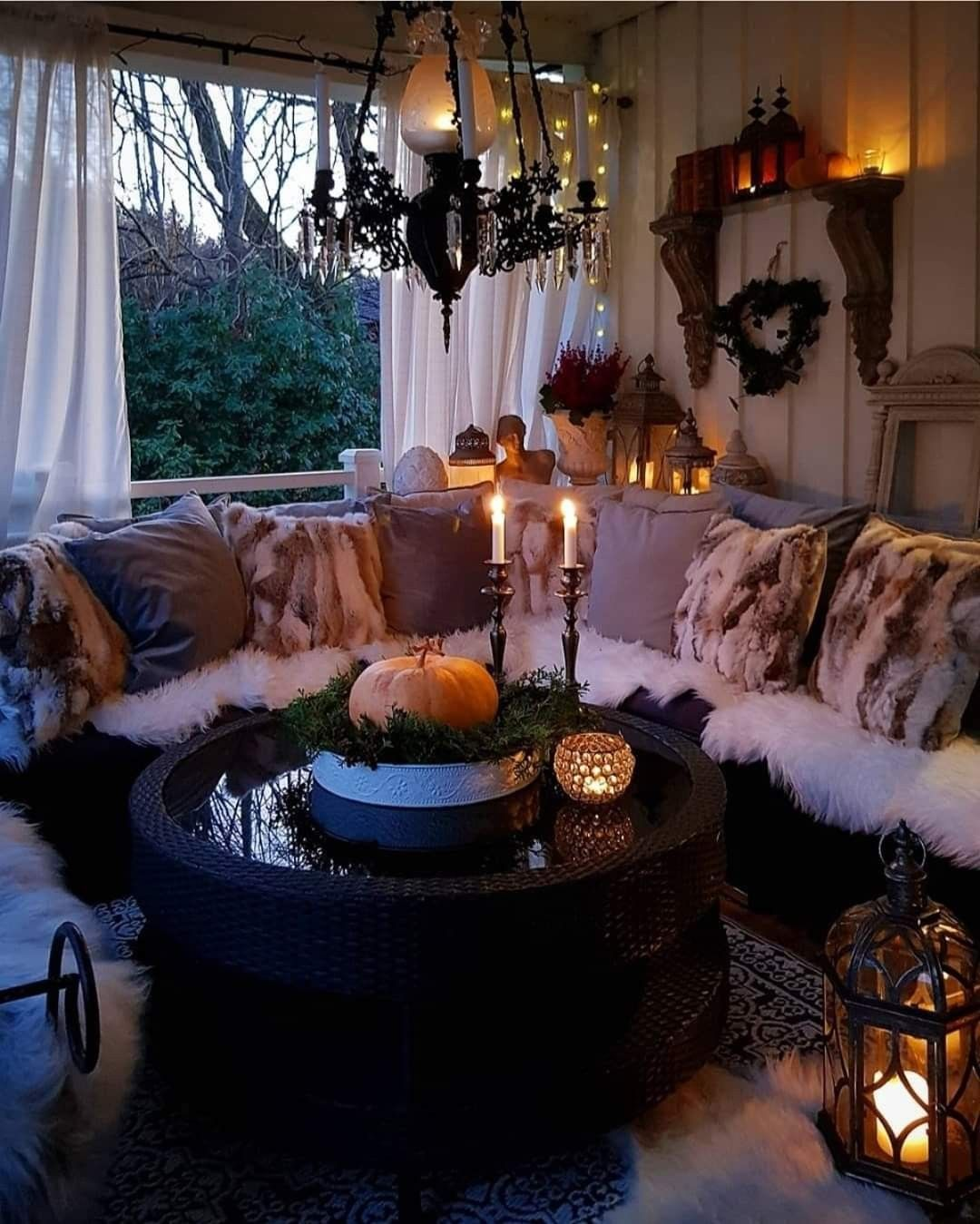 Falloween decor in 2020 Halloween room decor, Cozy house