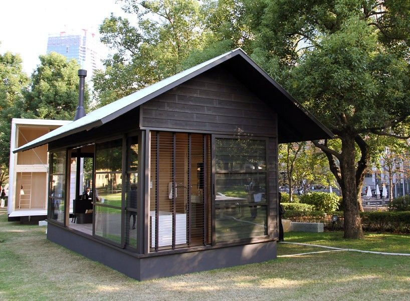 Naoto fukasawa 39 s muji hut embodies his idea of for Small hut plans