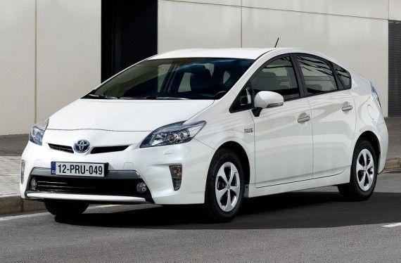 Http Newcarnewsreviews Com Toyota Prius Plug Hybrid 2013 Review Toyota Prius Toyota Prius Hybrid Toyota Prius 2015