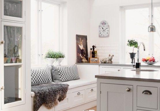 lantligt kök med köksö - Sök på Google | Kök | Pinterest | Villor