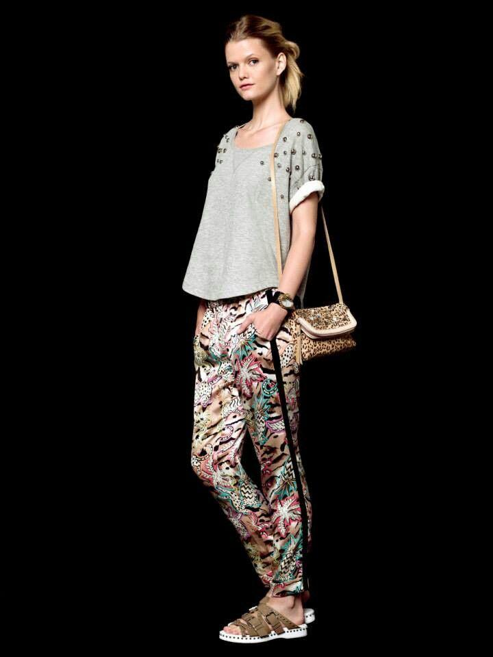 pantalones estampados verano 2014. Jazmin Chebar en Magma. Great casual  outfit! Jazmin Chebar e1b14748d0f8