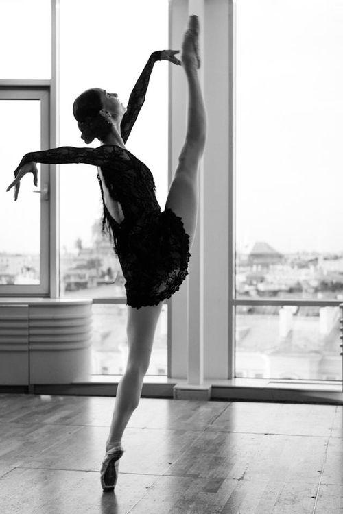 voluptuous delights ダンスの写真 バレエダンサー ダンサー