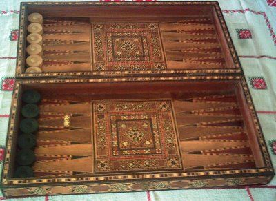 Milk And Honey Quilts: Vintage Thursday Thingie: Antique Backgammon Set