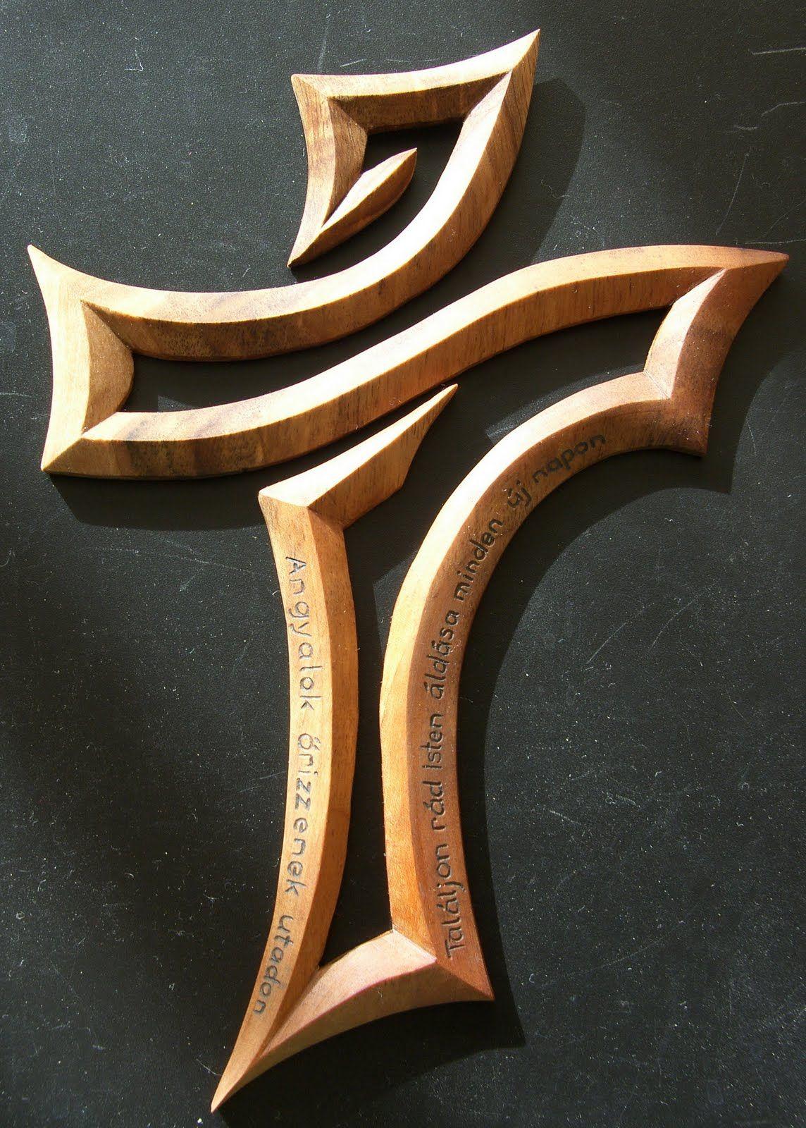 Faragott kereszt carved cross woodworking art