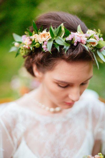 Sweet Peach Wedding Inspiration: http://www.stylemepretty.com/canada-weddings/ontario/2014/08/28/sweet-peach-wedding-inspiration/ | Photography: Magnolia Studios - http://magnoliastudios.ca/