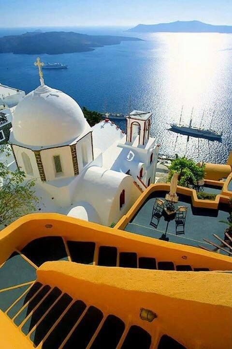 Someday I will bask in the beautiful and glorious sun beams of Santorini. ❤