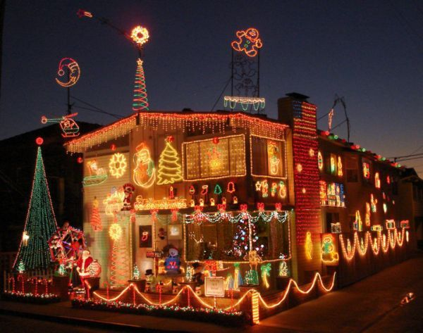 Decorate a christmas house