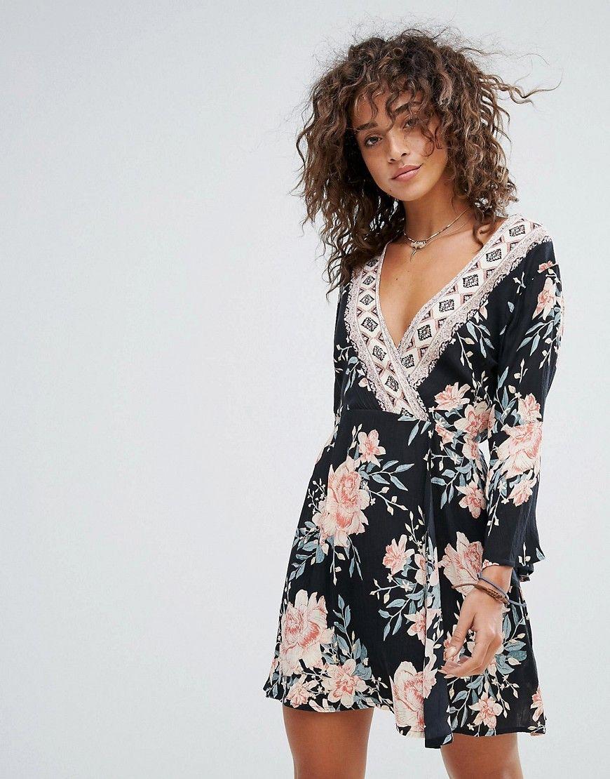b6978a31e ¡Consigue este tipo de vestido informal de Billabong ahora! Haz clic para  ver los