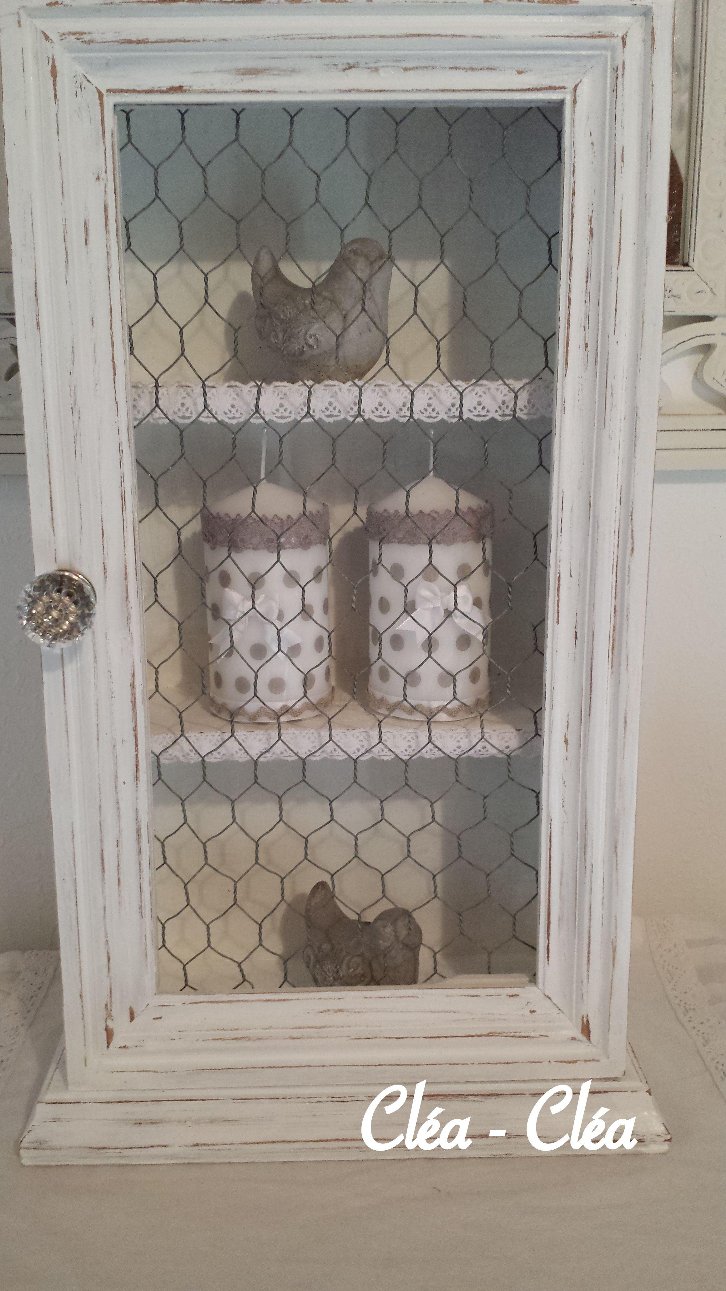 La vitre est remplac e par du grillage poule refaire un petit meuble pinterest - Armoire avec grillage poule ...