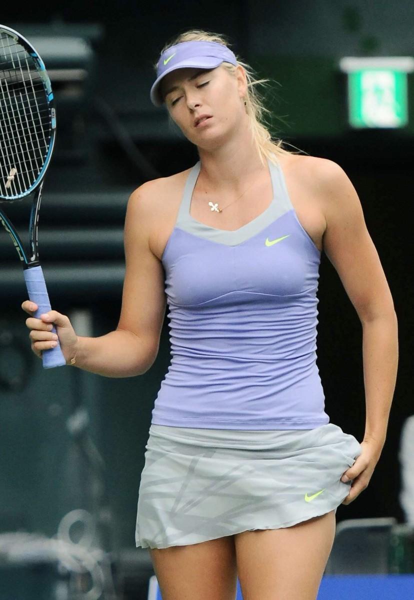 Maria sharapova sexy tennis snaps