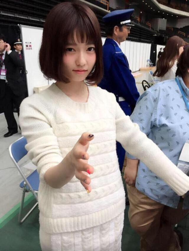 可愛い服の島崎遥香