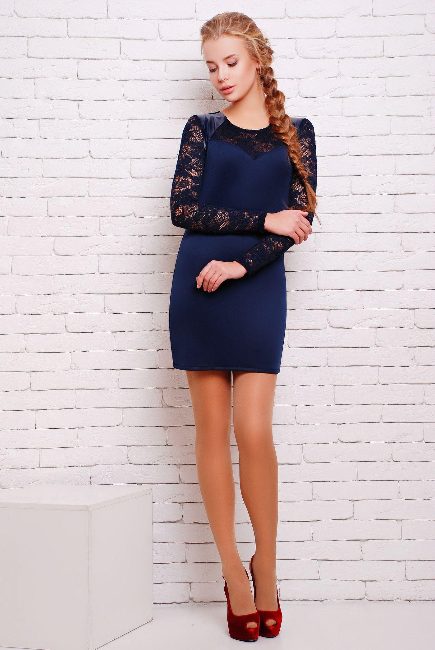 a296e10704de1d2 Платье облегающего силуэта цвет синий ВИВА - комбинированное короткое  облегающее однотонное платье. Рукава, кокетка