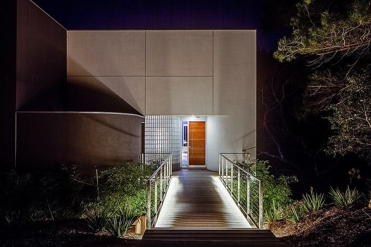 fantastic modern house lighting. Fantastic Modern Home Design With Vegetation In Surround: Awesme Outdoor Corridor Night View Volumetric House California Lighting S