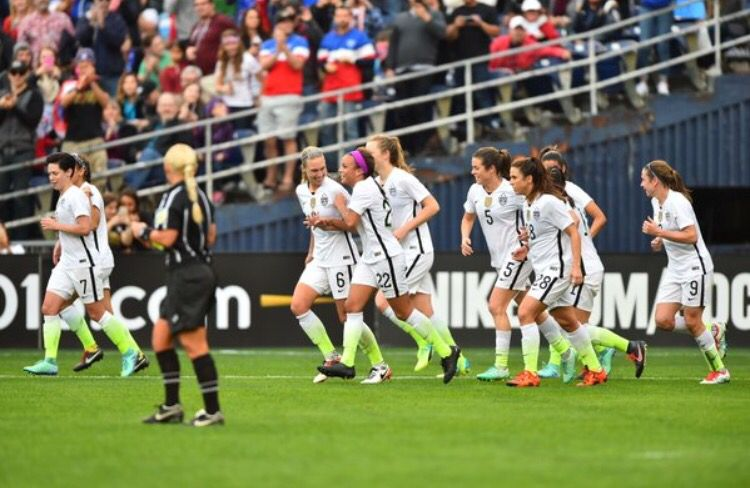 17 year old Mallory Pugh scores in her debut USWNT game