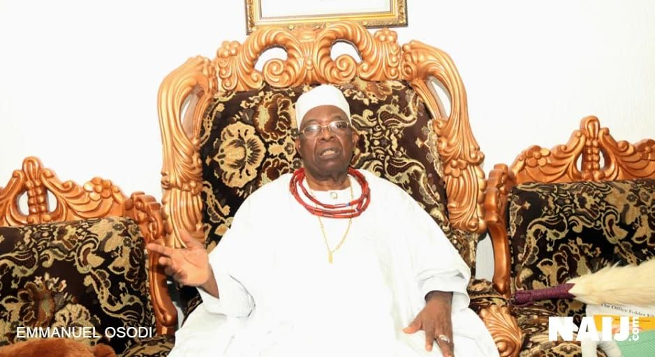 EXCLUSIVE- Constitutional Roles For Obas: Owa Of Ijesaland Speaks On Merit, Demerit - http://www.thelivefeeds.com/exclusive-constitutional-roles-for-obas-owa-of-ijesaland-speaks-on-merit-demerit/