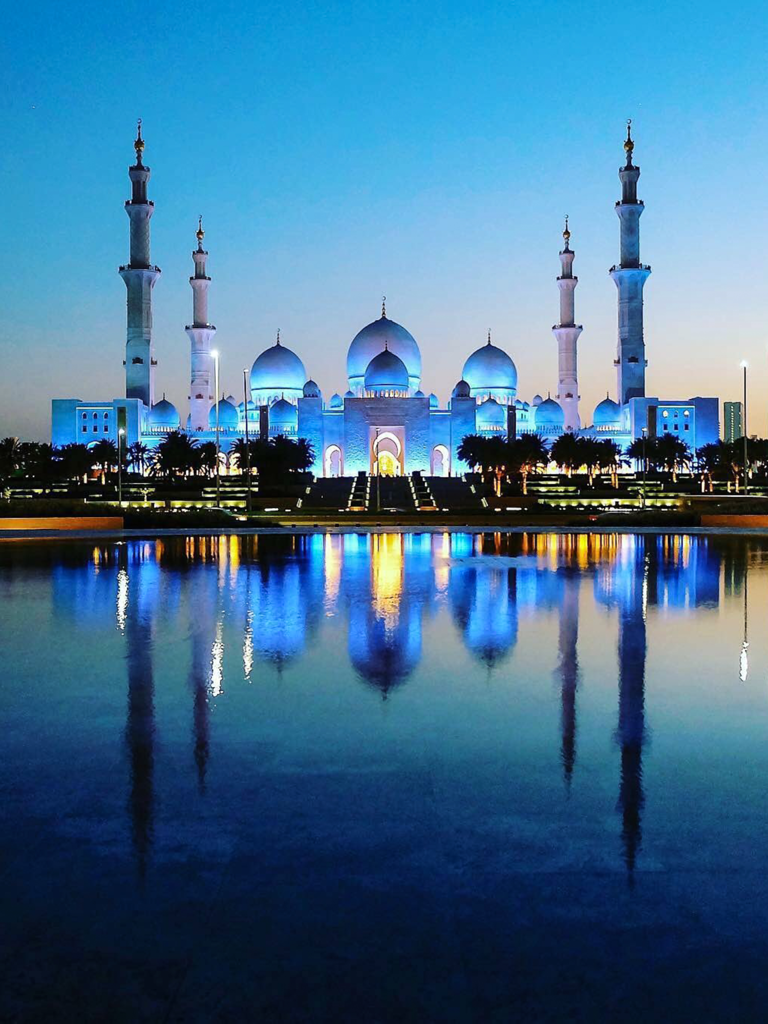 Exterior: Sheikh Zayed Grand Mosque At Night , Abu Dhabi In 2019