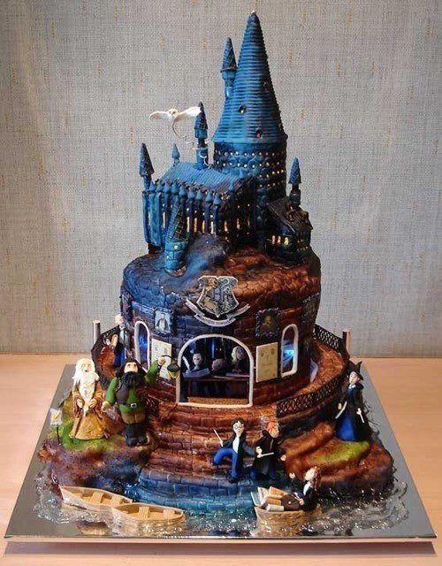 Harry Potter castle cake! Beautiful!