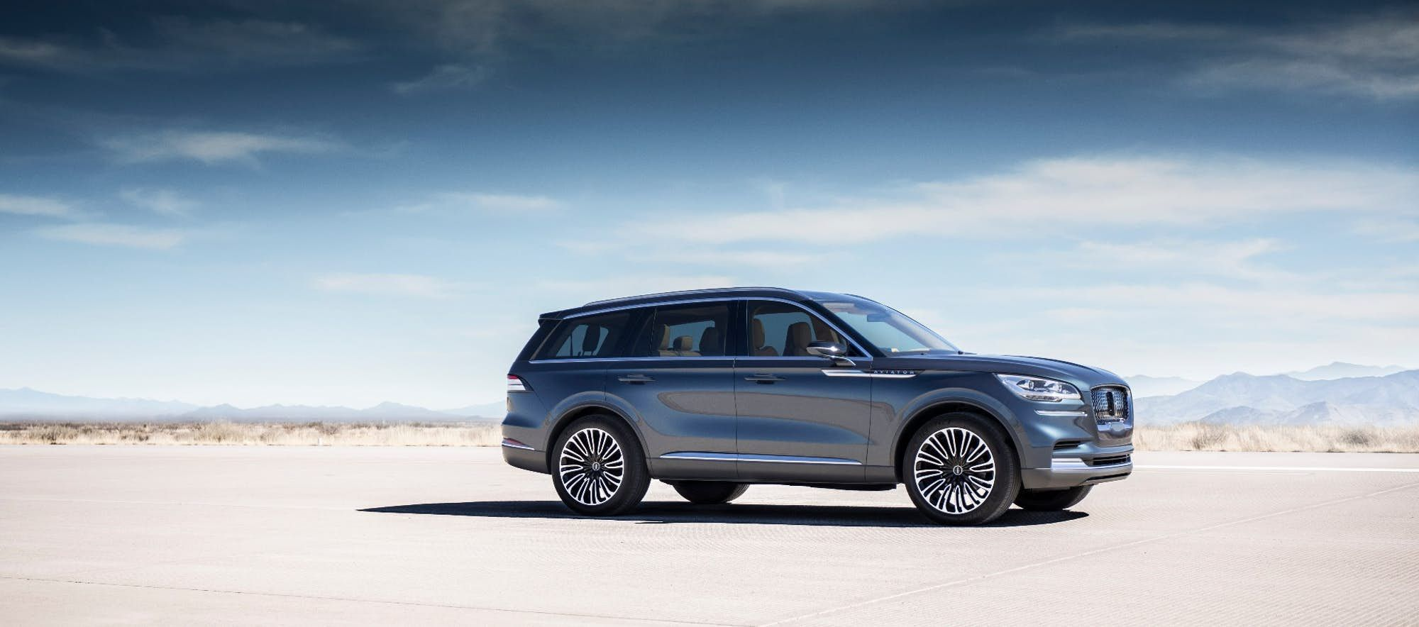 Lincoln Previews A Smart Sleek Future With The Aviator Plug In