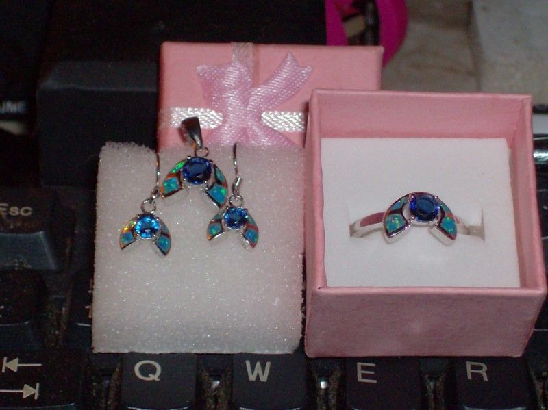 LOOK!!!! A STUNNING STERLING SILVER BLUE SAPPHIRE AND AUSTRALIAN BLUE FIRE OPAL 3 PC SET RING SIZE 8