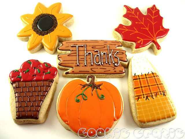 ** Very nice Sunflower, maple leaf, patchwork candy corn, GREAT pumpkin, beautiful basket of apples and thanks plank! Very pretty!