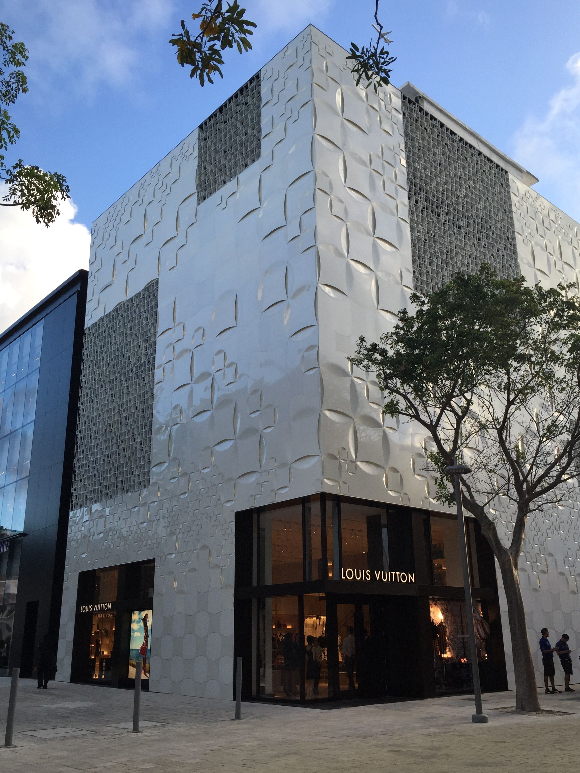 Pin By Mike Marotta On Louis Vuitton Miami Design District Louis