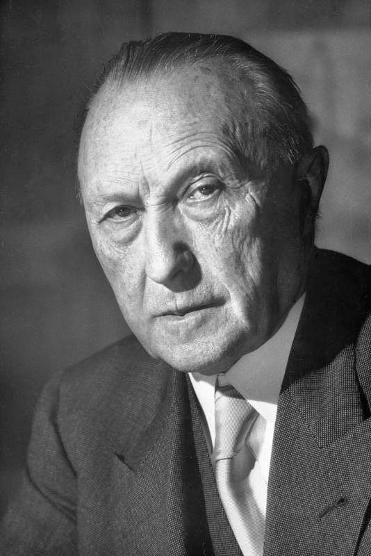 Konrad Adenauer  I 1949 blev han valgt som den første tyske forbundskansler efter 2. verdenskrig, en stilling han beklædte til 1963, hvilket gjorde ham til den længst regerende kansler siden Otto von Bismarck. Senere dog overgået af Helmut Kohl. Fra 1951 til 1955 var han også udenrigsminister.