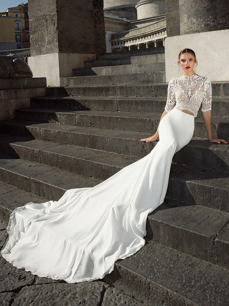 Julie Vino Fall 2017: Fashion-Forward Dresses to Show Off Your ...