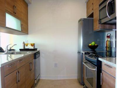 The Zenith Luxury Apartment Rentals In Newport Jersey City Loft Style Apartments Luxury Apartments Rental Apartments