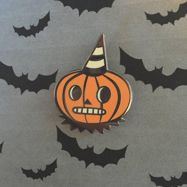 Folk Art Inspired Pumpkin Enamel Pin #spookyoutfits