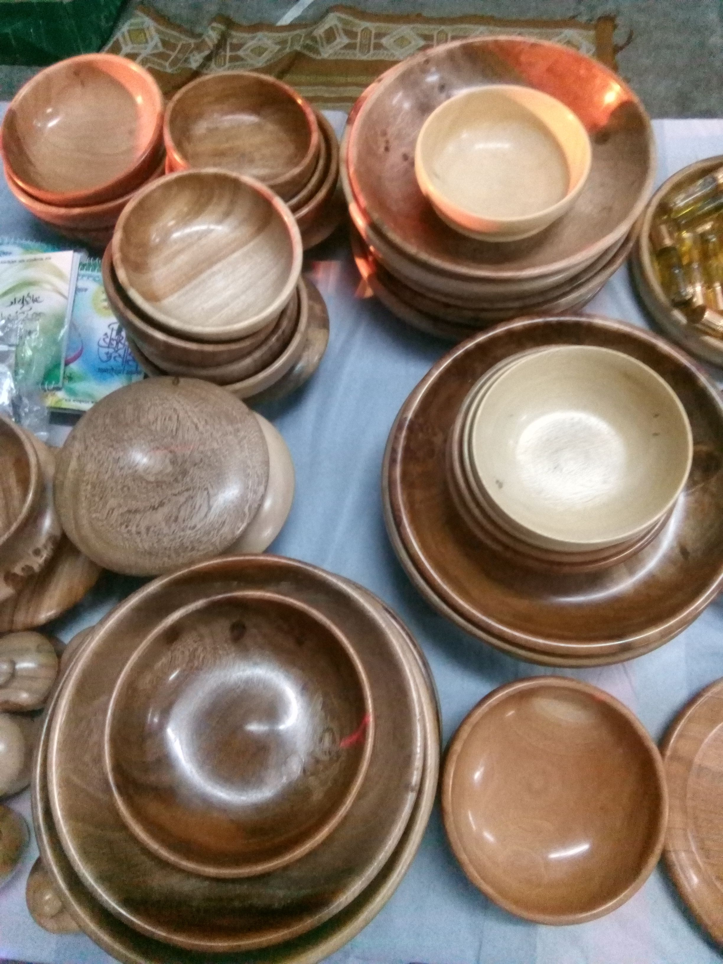 Sunnati Wooden Plate Cup Bowl Available Canteen Shareef Rajarbag Darbar Shareef Dhaka Bangladesh Contact 880 1711 272 Wooden Plates Plates Tableware