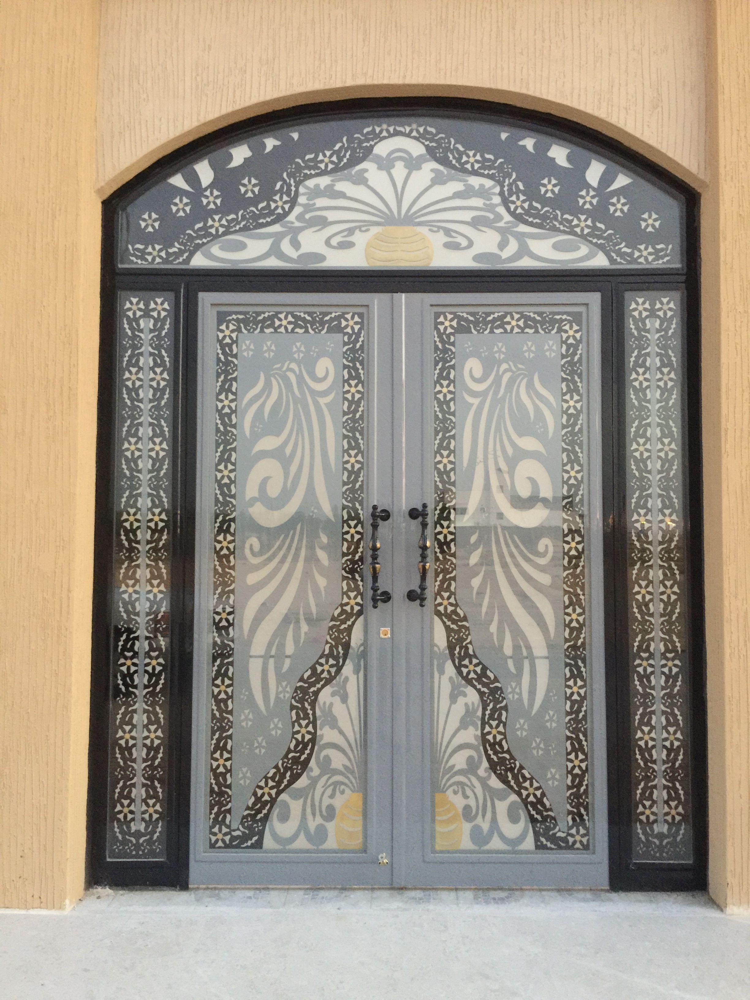 Pin By ابواب درج حديد القصور الذهبية On ابواب خارجية Metal Doors Exterior Door Gate Design Classic House Design