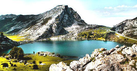 Los Lagos De Covadonga Lagos De Covadonga Lagos Asturias España