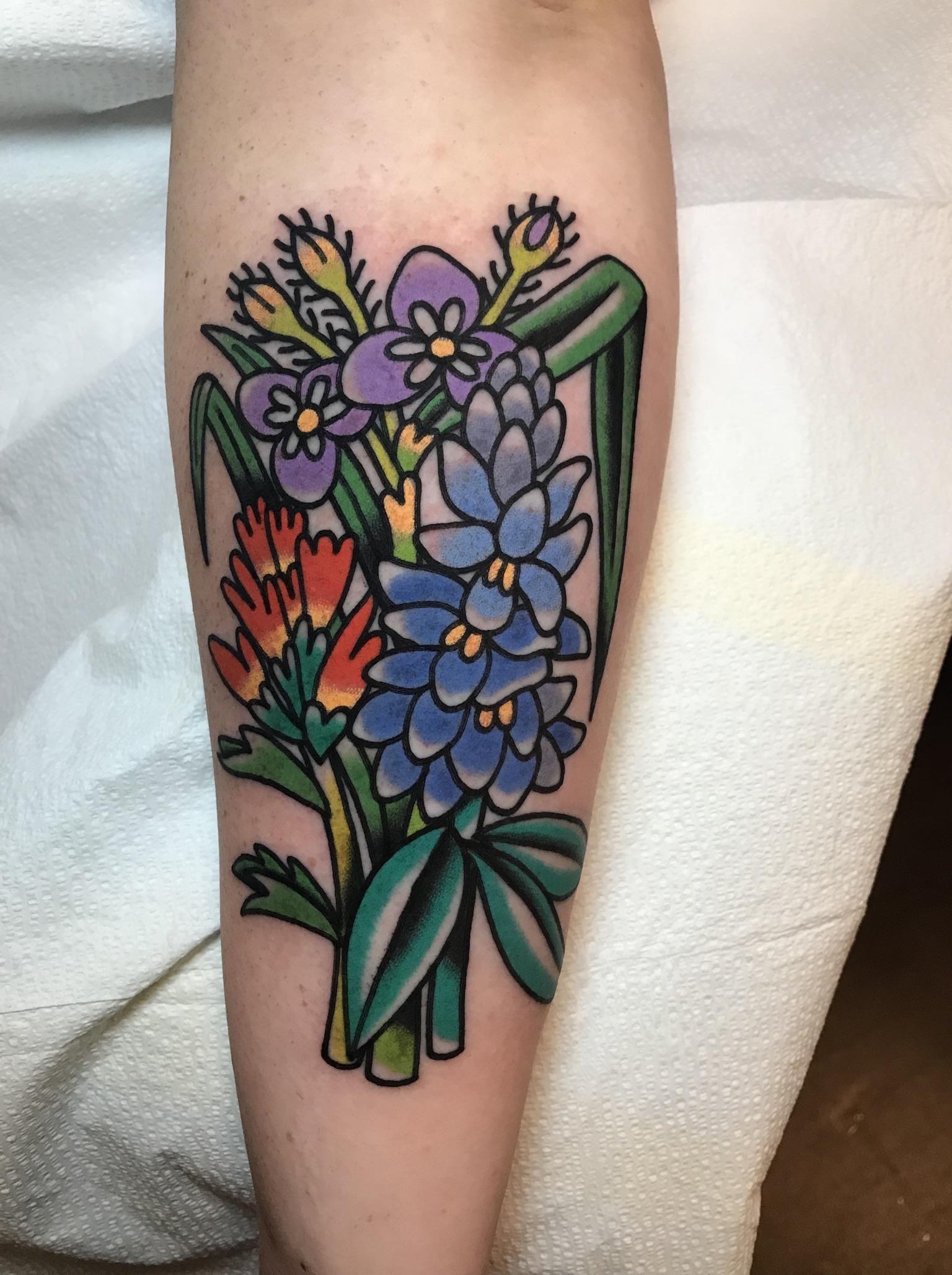 Fresh N Floral By Julia Campione Good Omen Tattoo In Chicago Il Tattoos Prison Tattoos R Tattoo