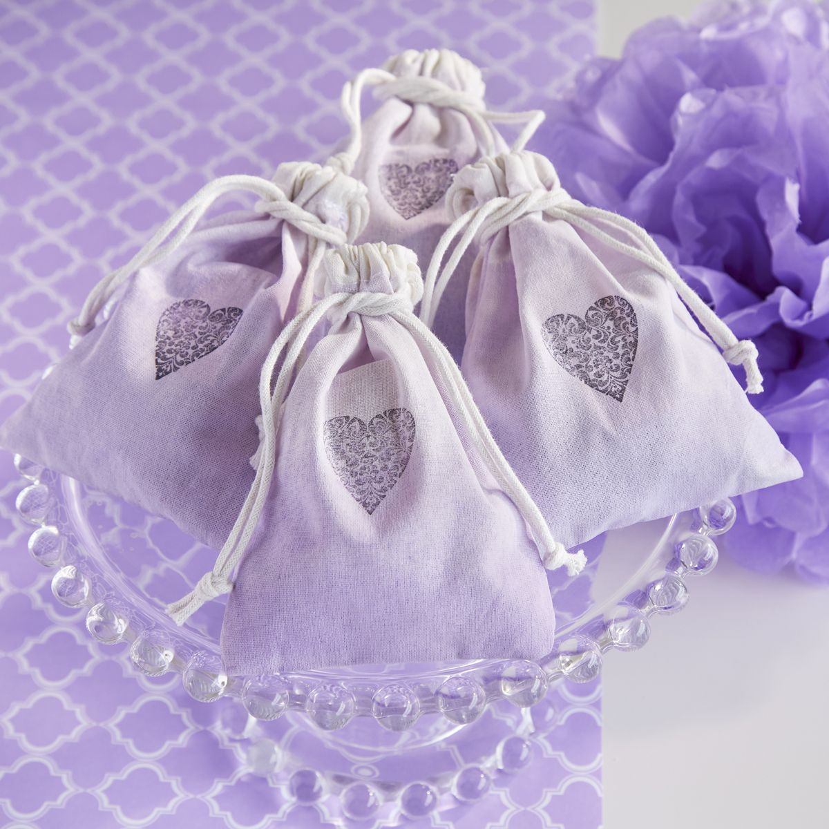 Use these stylish bags to create a uniform look for your wedding or party favors and add signature accents to your tables. Muslin is a wonderful option for your shabby chic or rustic- themed wedding. Customize by adding your own stamp or color wash.