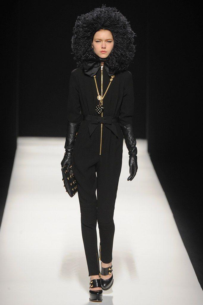 Moschino Fall 2012 Ready-to-Wear Fashion Show - Kolfinna Kristofersdottir