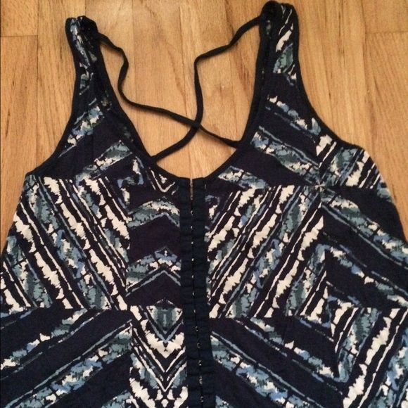 Billabong Large Navy Multi Crop Top Cute Back In great condition size large, shorter in front than back Billabong Tops Crop Tops